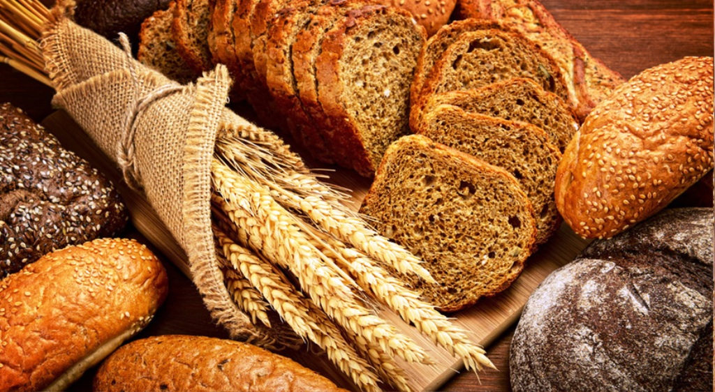 Pane, farina, biscotti e schiacciata